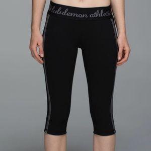 Lululemon Inner Essence Crop Black / Slate 8